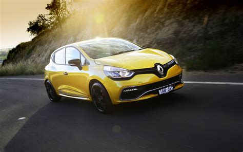 Review Renault Clio R S by News Renault Clio R S 200 Edc Review And Drive