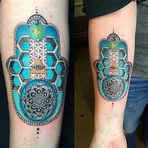 63 Dainty Hamsa Hand Tattoo to Protect Yourself From the ...