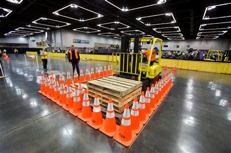 Forkliftaction.com, forklifts and other equipment online ...