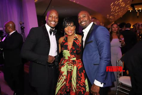 celebs attend  annual uncf mayors masked ball