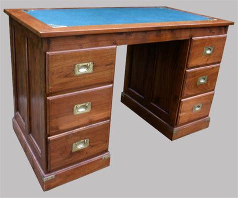 bureau exotique bureau à caissons en bois exotique 6 tiroirs