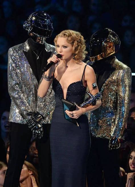 From Rising Country Singer to Pop Star: Taylor Swift's 14 ...