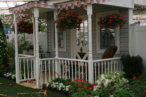 Pretty Porches And Terraces by Best 25 Small Front Porches Ideas On Small