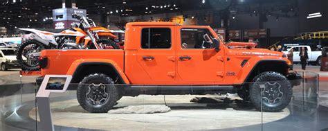 jeep gladiator  chicago auto show news
