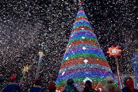 the world s brightest stars top 10 christmas tree must