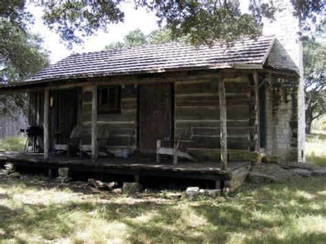 cabin rentals fredericksburg tx grape creek bungalow vacation cabin rental in tx