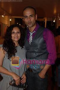 Rohit Roy with wife Mansi Joshi at Samsara Art Bash at Out ...