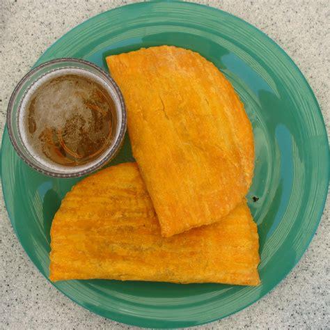 jamaican beef patty jamaican patty wikipedia