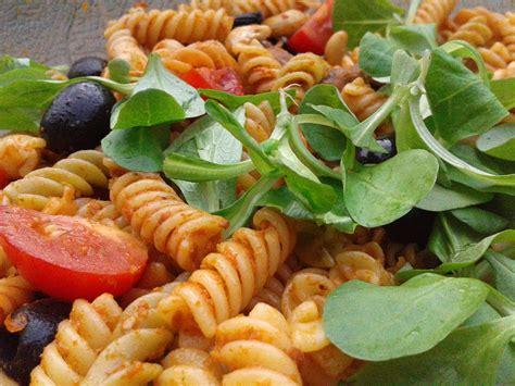 nudel pesto salat mit pinienkernen muddis kochen