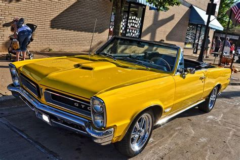 Vintage Convertible Cars by 22 Convertible Cars That Are Collectible And Mostly