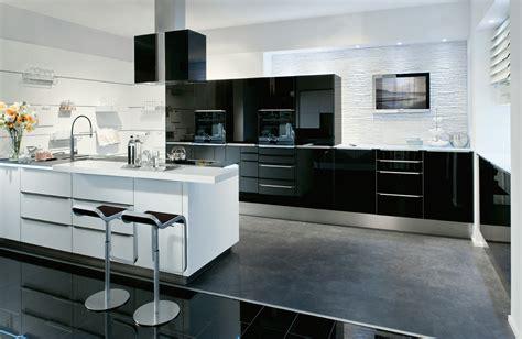 Weiße Küche Mit Schwarzer Granitplatte by Einbauger 228 Te K 252 Ppersbusch Und Miele P 228 Sentiert Vom