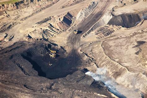 volvo  leave national mining association
