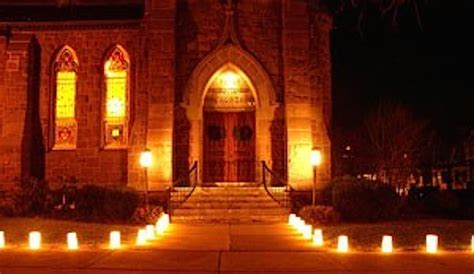making luminarias  fun  easy christmas tradition