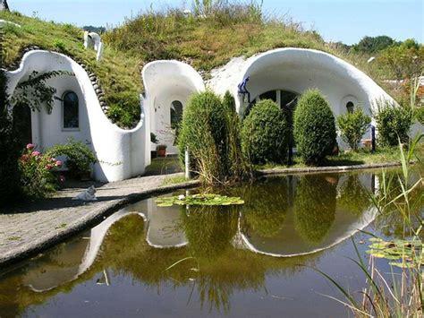 chambre bulle dans la nature maison écologique en suisse à l inspiration proche de la