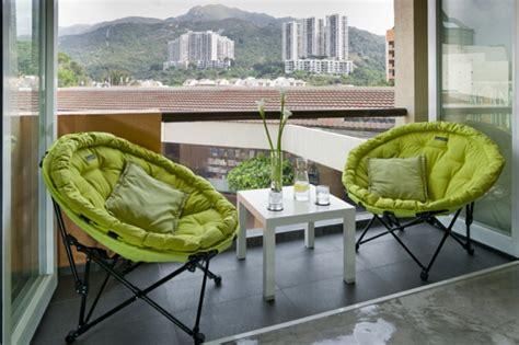 Sessel Für Balkon by Balkontisch Verwandelt Den Balkon In Einen Verlockenden Platz