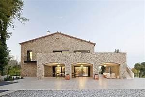Construction Maison En Pierre : jolie maison traditionnelle en pierre par n ria selva ~ Melissatoandfro.com Idées de Décoration