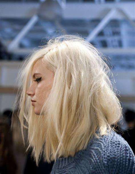 carree plongeant blond images usseek