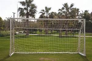 Petit But De Foot : une cage de football dans mon jardin la pause jardin ~ Melissatoandfro.com Idées de Décoration