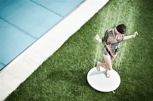 Gartendusche Von Unten : outdoor dusche f r eine erfrischung w hrend der hei en sommertage ~ Markanthonyermac.com Haus und Dekorationen