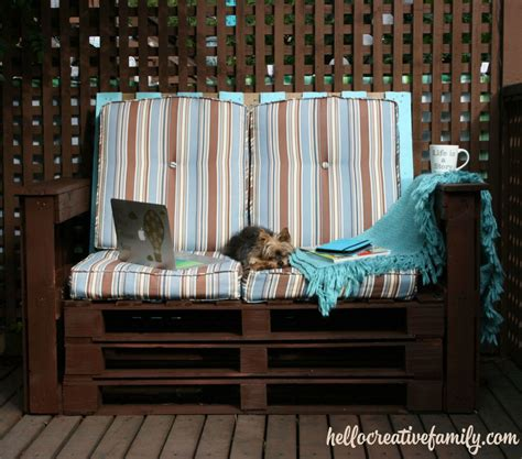 Diy Dads Diy Outdoor Pallet Couch Weekend Project Hello