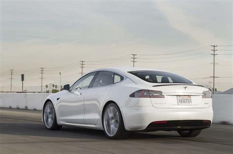 Tesla Model S P100d Sets New Production Car Acceleration