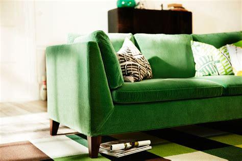 canap velours vert repérage déco l 39 atelier azimuté
