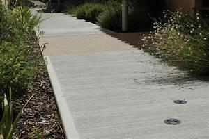 Dalle De Cheminement : b ton balay brut ou color finition b ton sols ~ Melissatoandfro.com Idées de Décoration