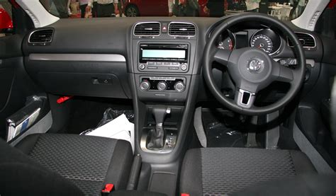 volkswagen tsi interior file volkswagen golf variant tsi trendline interior jpg