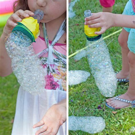 Im Garten Spielen Ideen by Diy Kinderspiele Mit Wasser Und Seife