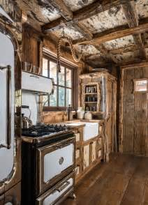 cabin kitchen ideas 25 best ideas about rustic cabin kitchens on