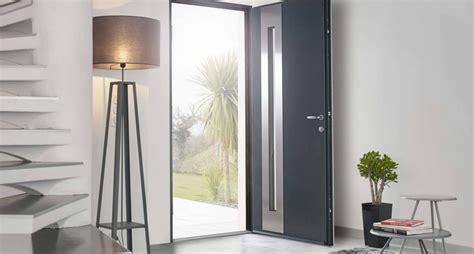 porte d entree moderne alu porte d entr 233 e solabaie les avantages d une porte en alu