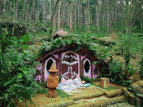 jamniczakuchnia berkunjung  rumah hobbit jogja