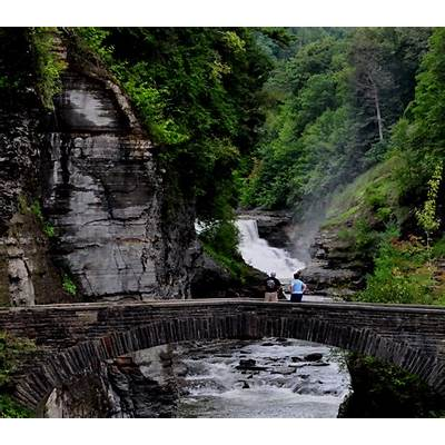 File:Lower Fall & Stone footbridge at Letchworth State