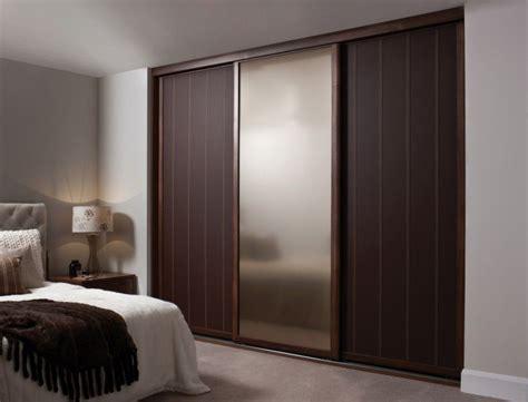 bedroom fancy wooden sliding door wardrobe designs