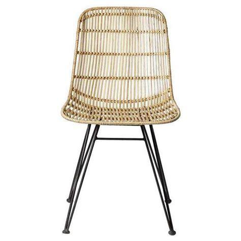 chaise en rotin but bloomingville chaise en rotin et métal noir