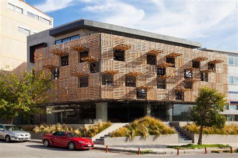 pallet offices store  klab architecture  greek