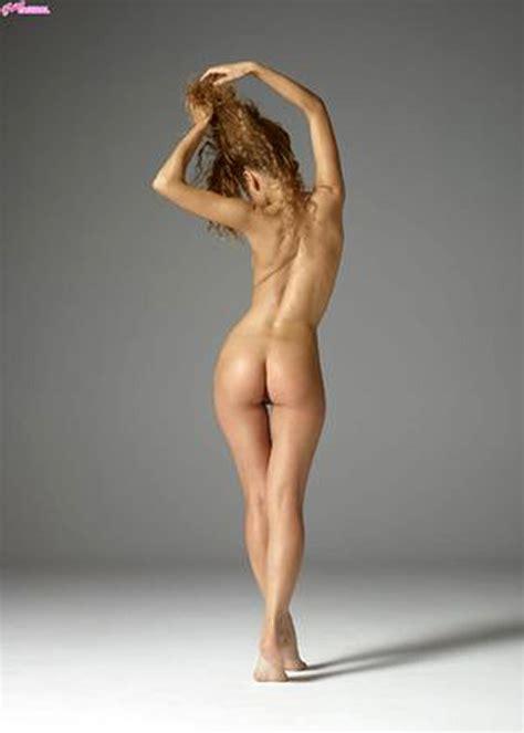 Julia Yaroshenko Nude Pics Ginger Skinny Model Is Hot