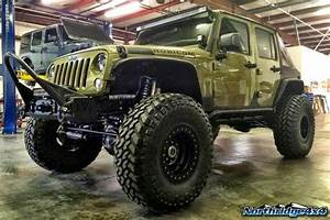 Off Road & 4x4 Images/Videos: Super Modified Jeep JK