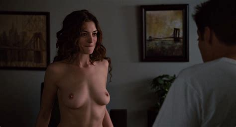 Anne Hathaway Nude Is Just Plain Awesome Pics
