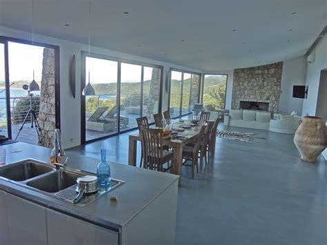 cuisine avec presqu ile location villa de luxe en corse une vue panoramique