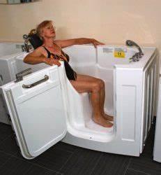 Sitzbadewanne Mit Dusche : badewanne zur dusche badewanne zur dusche umbau testsieger ~ Frokenaadalensverden.com Haus und Dekorationen