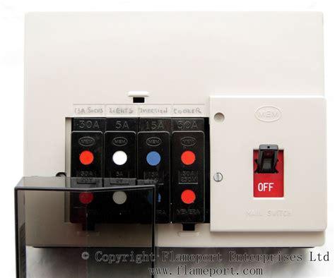 Memera Four Way Plastic Rewireable Fusebox