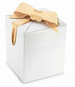 Boite Coffret Cadeau Vide : boite cadeau en carton blanc et ruban satin or ~ Teatrodelosmanantiales.com Idées de Décoration