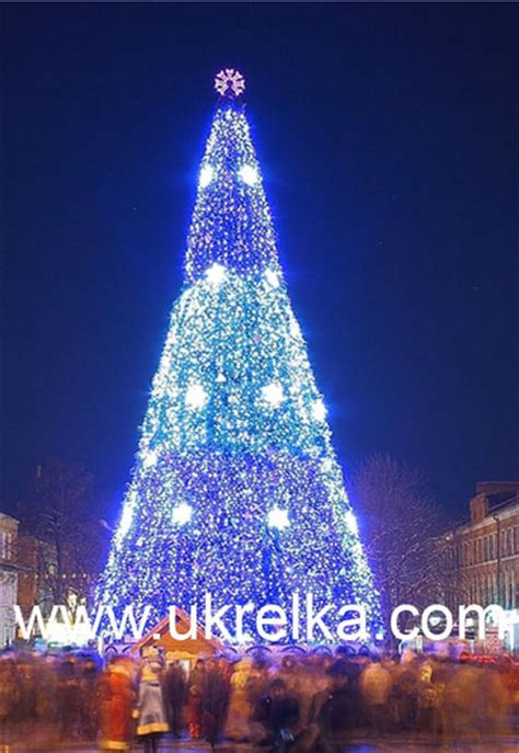 giant artificial christmas trees  led outdoor lighting