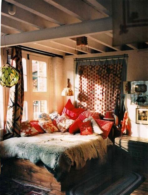Bohemian-style-bedroom-interior