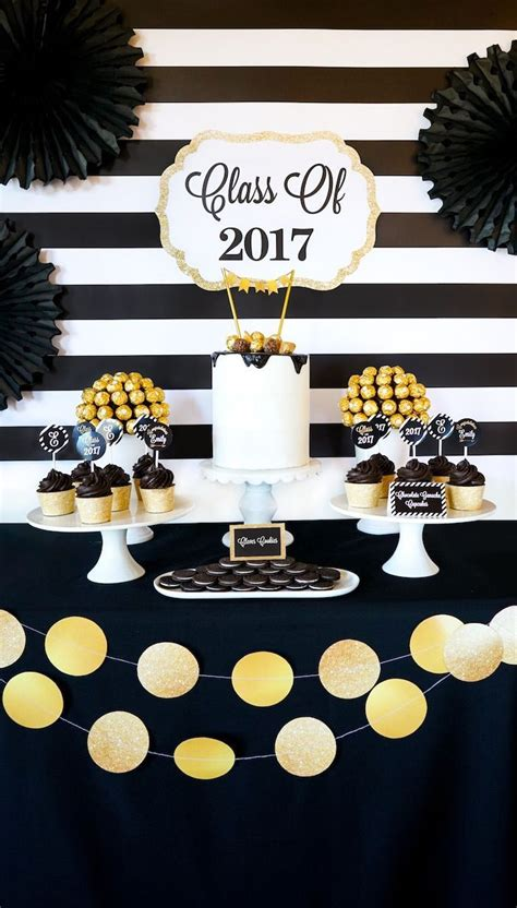 Decorating Ideas For Graduation by 25 Best Ideas About Graduation Decorations On