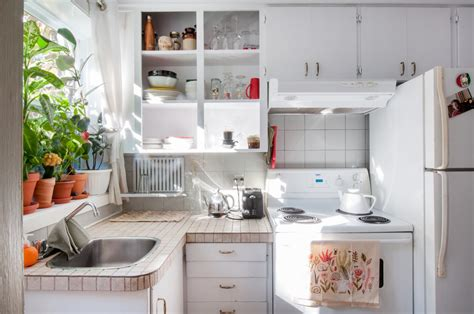 Kitchen Organization Apartment Therapy by 5 Kitchen Organizing Ideas To From Savvy Dollar
