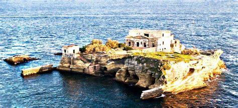 The Cursed Island Of Gaiola Litalo Americano Italian