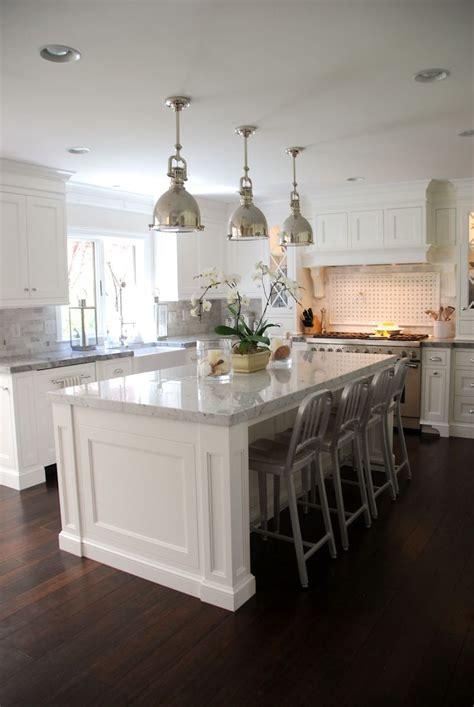 white kitchen with island best 25 kitchen islands ideas on island