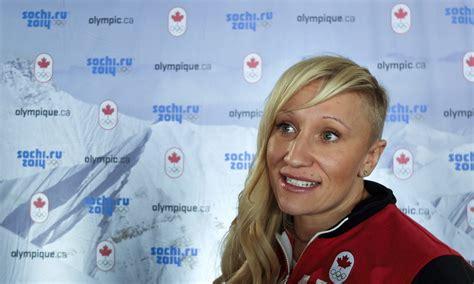 Divkārtējā olimpiskā čempione bobslejā Hamfrīsa ...